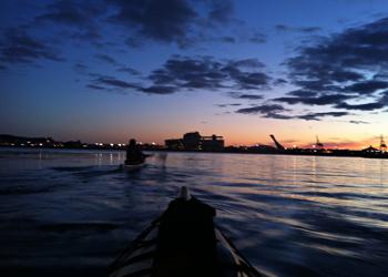 Kayak et feux d'artifice avec Chinook Aventure
